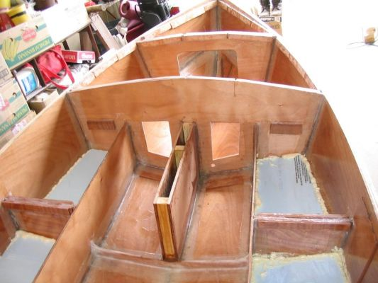 Bale: Small plywood rowboat plans